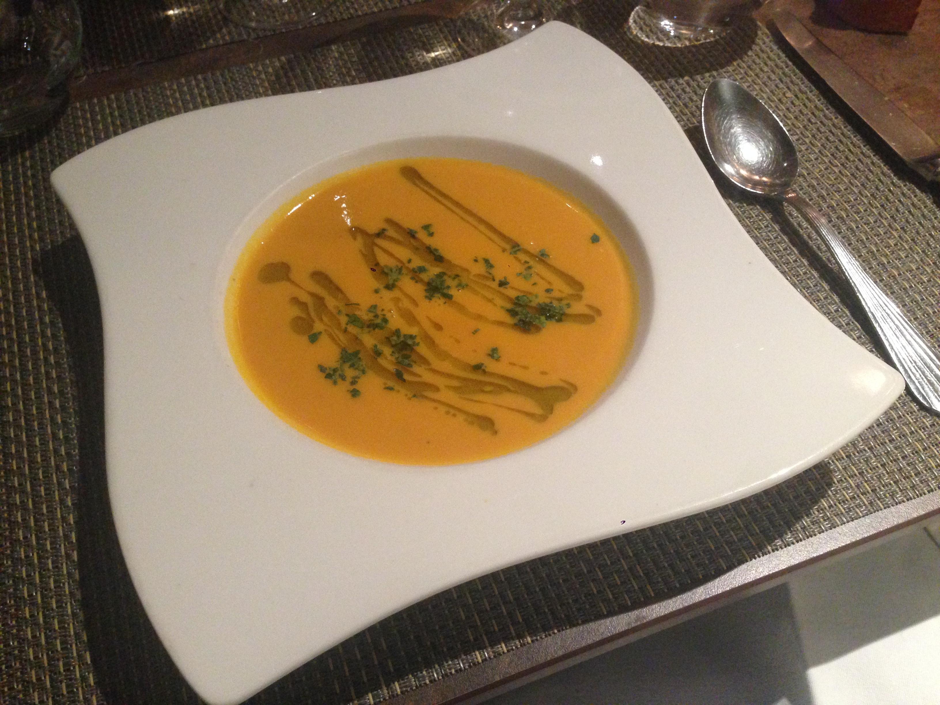 soupe de courge à l'huile de truffe blanche